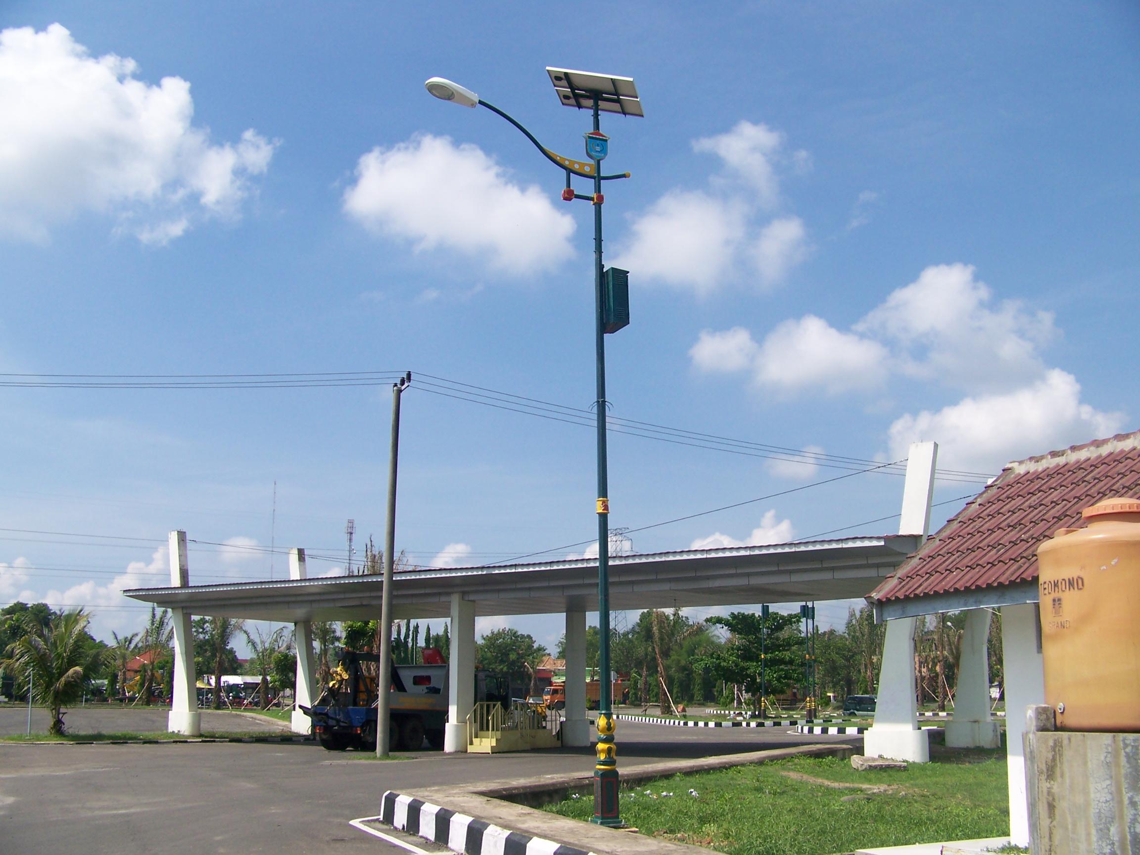 TIANG LAMPU SOLAR CELL